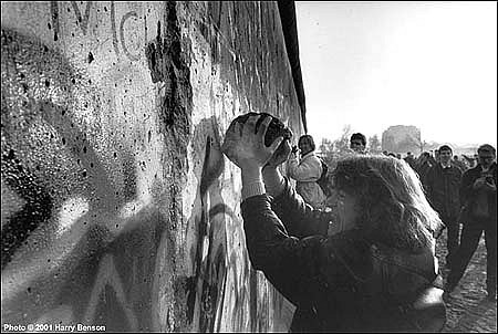 Harry Benson ,   Berlin Wall comes Down, Edition of 35  ,  1989     photograph     HB120484