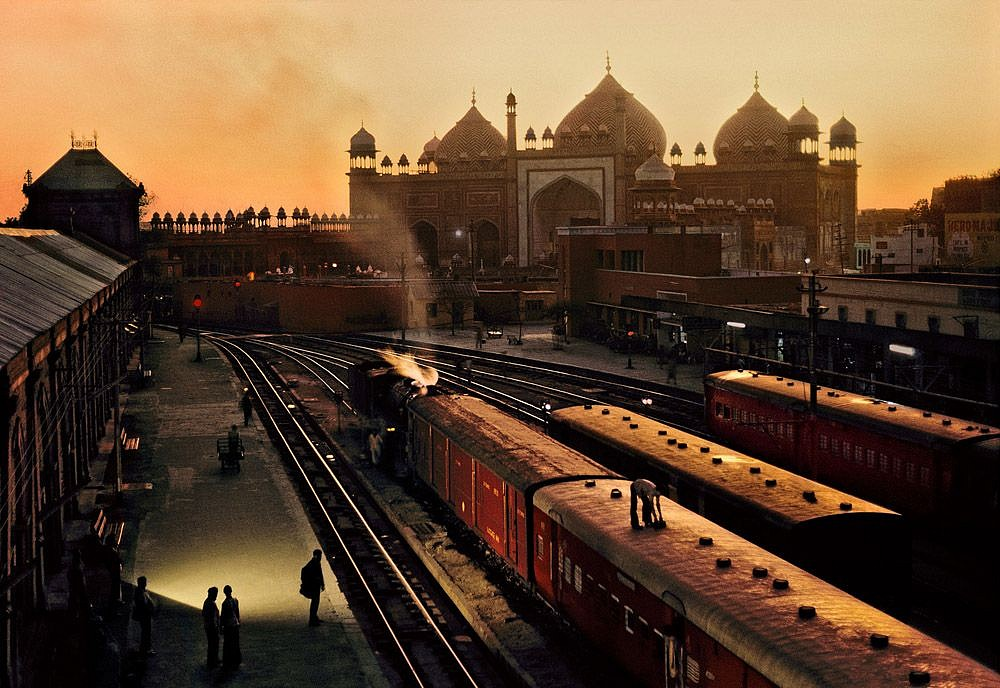 Steve McCurry, Train Station, Uttar Pradesh, India 1983, FujiFlex Crystal Archive Print