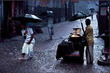 Steve McCurry, Man in Monsoon, Ed. 2/6 1983, FujiFlex Crystal Archive Print